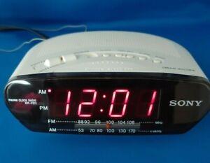 Sony Dream Machine ICF-C211 AM FM Alarm Digital Clock Radio White Cleaned Tested