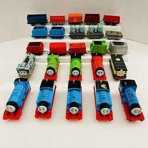 Thomas The Train & Friends Trackmaster Motorized Lot Of 25 Trains Engines & Cars