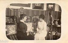 BE498 Carte Photo vintage card RPPC Femme woman intérieur maison décoration