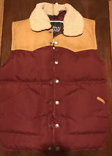 NEW WITH DEFECTS Criminal Damage Mens Musket Gilet Jacket (Burgundy) Size S
