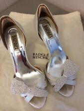 Badgley Mischka White Satin Evening Shoes Heels Size 7.5