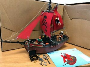 Playmobil 3174 Pirate Ship - The ship is in good condition
