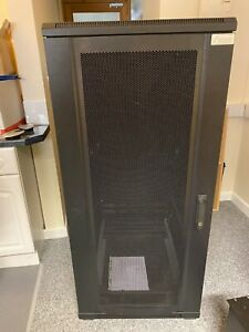 Fusion Contract Free Standing 27u Server Cabinet