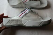 NWT Silver & Gray FIT FLOP Thong Sandals w/Stripes Straps 10