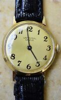 Ultra-Rare Universal Geneve Solid 18K YG Champagne Dial 17J Movement Dress Watch