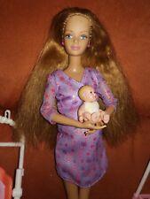 Barbie schwangere Midge mit Bauch und Baby und Zubehör von Mattel