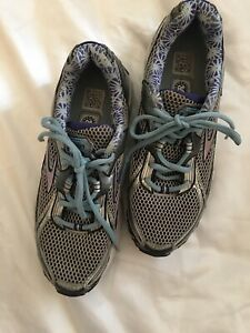 Women's Brooks Ravenna 3 Lace-Up Running Shoes Sneakers Size 7.5 Silver/Blue
