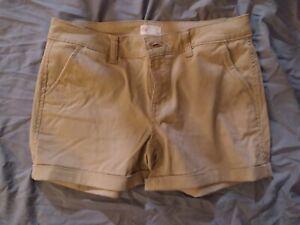 SO Women's Khaki Shorts Size 7