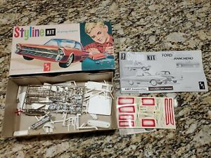 AMT 1961 Ford Falcon Ranchero Custom Styline Kit.   *MISSING PIECES FOR PARTS