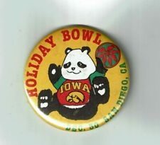 Vintage 1986 Iowa Hawkeyes Football Holiday Bowl Pinback Button Pin