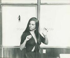 CLAUDIA CARDINALE LE FATE 1966 VINTAGE PHOTO ORIGINAL #16