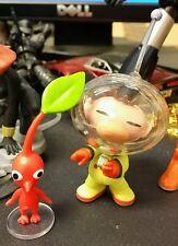 World of Nintendo Pikmin Figures - Olimar & Red Pikmin