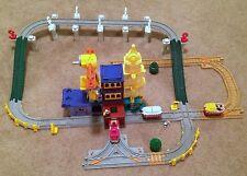 Fisher-Price GeoTrax Big City Lights Center Tracks Risers Trains Sounds RARE!