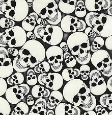 quart brille dans le noir Crânes Wicked Halloween 100% coton tissu patchwork