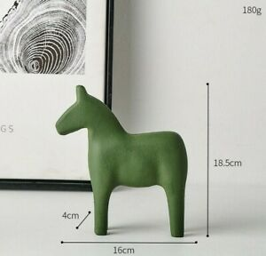 Nordic Wooden Horse Statue Sculpture Figurine Tabletop Home Office Decoration S