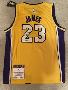 Lebron James Autographed Lakers Jersey [Certified] [EURO SIGNINGS]