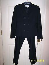 """NWT women's """"LARRY LEVINE"""" black pant suit - size 6 - ret. $239"""