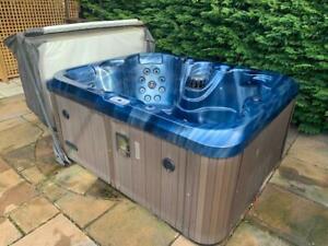 EuropaSpaS 4.1 Premium Hot Tub - Great Condition - Full Working Order & Extras