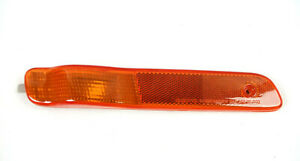 DEPO Autolamps 335-1402R-US 00-02 Saturn RF Side Marker Lamp GM 21110858 2551183