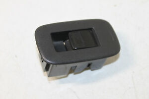 #6266 TOYOTA AURIS 2008 LHD REAR RIGHT SIDE WINDOW SWITCH