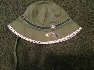 Baby Gap size 12-18 months Girls green bucket style hat with chin strap