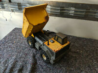 VIntage metal tonka toy tipper truck MR071119B
