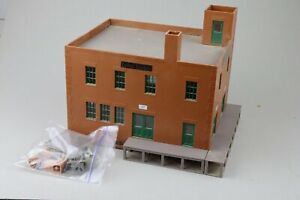 O scale Atlas # 6909 Fairview Farm Dairy Kit  build