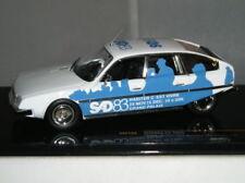 Modellini statici auto da corsa blu IXO