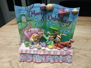 Disney Traditions merry Unbirthday Alice in wonderland book Figurine 4062257