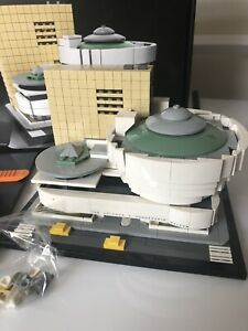 Lego architecture Guggenheim 21035 - With Box And Instructions