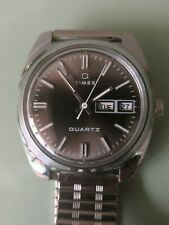Vintage Timex Q Quartz Electric Watch working with NOS flexi strap.