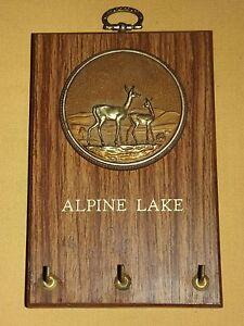 VINTAGE ALPINE LAKE DEER WALL PLAQUE KEY HOLDER