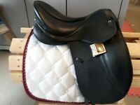 17.5  MW Stubben Aramis D w/ Equisoft, 31cm tree, black leather dressage saddle