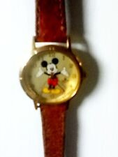 Mickey Mouse Watch Gold Features