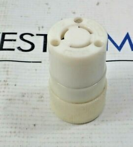 Bryant 10A/250V 15A/125V  Female Connector Lot of 4