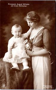 Prinzessin August Wilhelm mit ihrem Söhnchen Vintage silver print on carte posta
