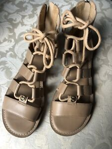 MICHAEL KORS Gladiator Sandal Size 5 M Beige/nude EUC