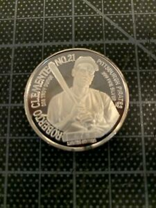1995 ROBERTO CLEMENTE PITTSBURGH PIRATES .999 1 OUCE OF SILVER COIN MINT