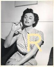 RUTH ROMAN  (R) ORIGINAL CANDID PHOTO 1950,JACK ALBIN WARNER BROS PHOTOGRAPHER