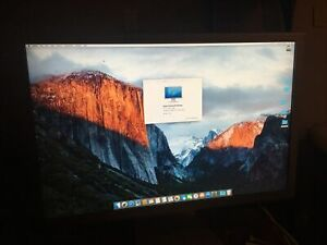 """Apple A1083 Cinema HD Display 30"""" in Widescreen DVI LCD Monitor Good Condition"""