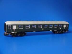MARKLIN H0 - 4023 - 1st cl. Express Passenger Coach green - Version 1 /(73)