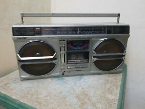SHARP GF-9000 RADIO CASSETTE GHETTOBLASTER BOOMBOX OLD SCHOOL