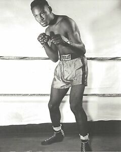 EZZARD CHARLES 8X10 PHOTO BOXING PICTURE