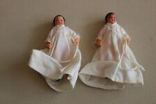 2 mini poupons poupées anciennes robes blanches baptême? 8 cm