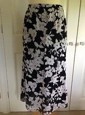 JAEGER beautiful vintage black & nude lined floral skirt UK 12  - fit UK 10