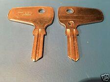 Lloyd Oldtimer mit Bosch Zündschloß / Zünd-Schlüsselrohling Silca Profil BH 6