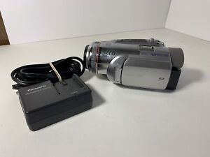 Panasonic Palmcorder PV-GS500 Camcorder w/ rechargeable battery & charger- works