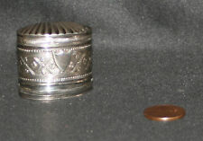 ancienne tabatière deux compartiment décor coquille argent massif fin XVIII ème