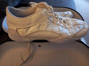 Nfinity Cheer Shoes, Size 6.5 (UK)