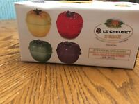 Set  Of 4 NEW Le Creuset Stoneware Bell Peppers Mini  Stoneware Casseroles 13 Oz